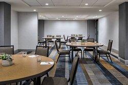 Canyon Lake Meeting Room - Rounds Setup