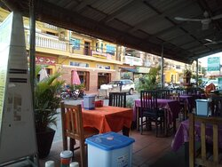 15 mars 2020 / En face du Tayuk Kampot Guesthouse