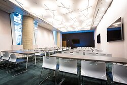 The Hudson Meeting Room Complete With Natural Light.