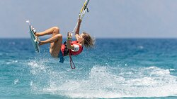 #throwback #summer #4monthtogo #wecannotwait #untilwemeetagain #wemissthosemoments #summer2020 #summer2021 #kitesurfingrhodes #cabrinha #hydekites #kitesurfing #kiteboardingzone #kiteboarding #kiteboardinggreece #kitesurfingislife #greece🇬🇷 #greeksummer #hydekitescollection #hydekitesgreece 6w
