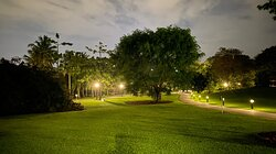 The cool thing about the Botanic Gardens is they're open from 5AM all the way until Midnight! The place is really peaceful and calm after dark and a good place to head for a walk or jog then.   I don't see many photos showing the place at night, so here's a humble contribution.
