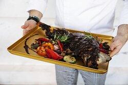 Соковита нiжка ягня з овочами та вишневим соусом  895 грн