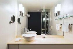 Swiss Advantage Room King Bathroom