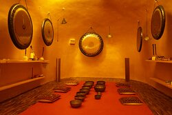 Exciting news at Udara! In this beautiful egg shaped golden dome we welcome you now for private Sound Healing sessions. We just finished filling up our new sound dome with amazing instruments, such as high quality Paiste gongs from Germany, intriguing rain makers, Burma bells, a handmade body Tanpura, a Chakra set of Tibetan singing bowls and many more.