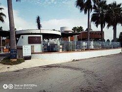 Vista de Badía Beach Club & Restaurant desde la Playa.