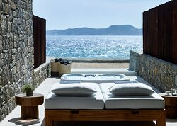 Deluxe Coast Suite Sunbeds