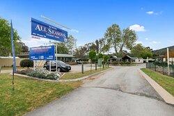 Street View  of the Entry to Albury All Seasons Tourist Park