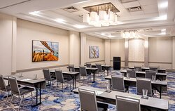 Utilize on-site catering service for your meetings in Newport News
