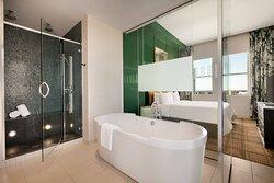 Penthouse Suite Bathroom - Shower & Tub