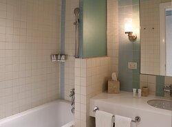 One-bedroom Duplex bathroom