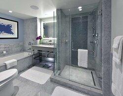 HarbourView One Bedroom Bathroom