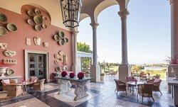 Anantara_Villa_Padierna_Palace_Benahavis_Marbella_Resort_Restaurant_La_Loggia_Outdoor_View