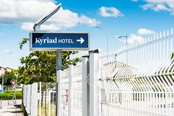 KYRIAD HOTEL STADIUM EXTERIEUR DETAILS