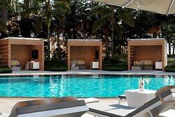 Adult Pool & Cabanas