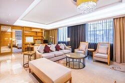 Deluxe Suite - Living Room 01