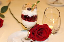 Vanilla and wild berry cheesecake mousse