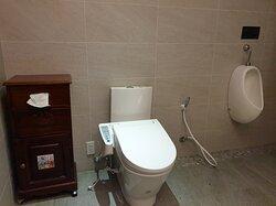 浴室乾淨寬敞