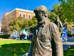 Madryt. Okolice Muzeum Prado. Pomnik młodego malarza.   @coWmadrycie, to licencjonowani przewodnicy po Madrycie i okolicach. Zapraszamy na wspólne zwiedzanie Madrytu i jego okolic, a także innych regionów Hiszpanii.  Więcej na stronie https://www.cowmadrycie.pl/