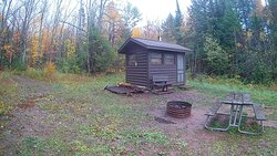 Crosscut cabin