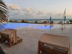 La piscine en bord de mer
