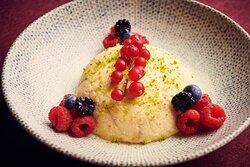 Semoulina Helva - Traditional Turkish dessert