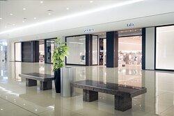 Zara Interior