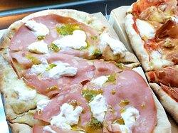 Pizzería y gastronomía italiana, aperitivo y degustación