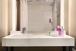 Coast Prince George Hotel by APA Guest Bathroom