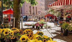 Enjoy your Helsinki day at the Punavuori market