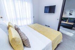 A2CB67 Guest Room