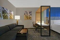 King Suite - Workspace