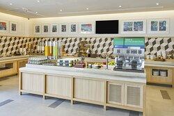 Breakfast Bar_Holiday Inn Express Bangkok Sathorn