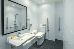 Wheelchair Accessible spacious bathroom