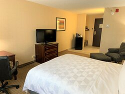 One Queen Bed - Standard Room with Refrigerator