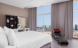 Penthouse Suite Bedroom with City View