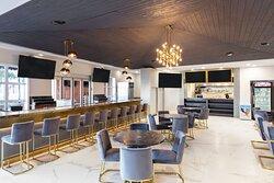 Westgate Palace Resort -Drafts Sportsbar Express