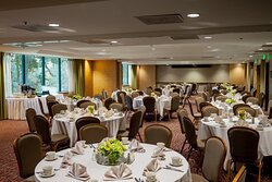Our Lantana Ballroom is perfect for a lakeside catered event