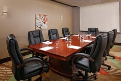Planning a meeting? We offer spaces for every business need.