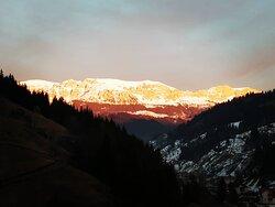 #bucegimountains #moieciudesus www.holatransylvania.com #holatransylvania#Rumania#Transilvania#senderismo#senderismodemontaña#hiking#hikingadventures#trekking#drumetie#mountains#excursion#daytour#montaña#tradicion#Carpatos#dracula#draculascastle#tradiciones#alojamientosrurales#dayTours#Transylvania#Carpathians#mountain#Romania#romania🇹🇩