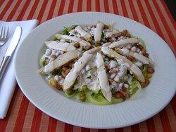 warm-hot salad with chicken