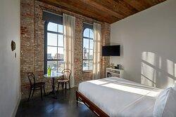 Brooklyn Queen Room