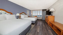 Our spacious guest rooms offer expansive views of the Gulf.