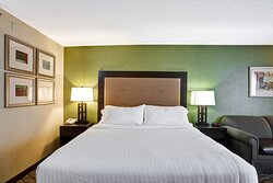 Whether work or leisure, you will wake up refreshed in our rooms.