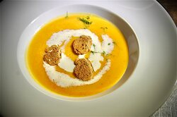 Karotten-Orangen-Ingwerrahm Suppe