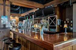 Coast Vancouver Airport Hotel Hudson Pub