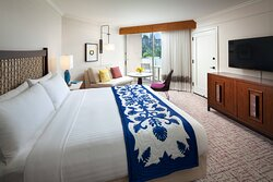 King Ocean View Guest Room - Balcony