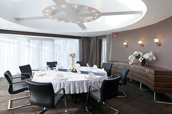 Panorama Suite Dining Area