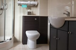 Ensuite to double room