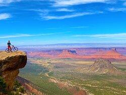Porcupine Rim Trail•  Moab Utah • Hazard County Shuttle