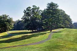 Take a relaxing stroll along the Crowne Plaza walking trail